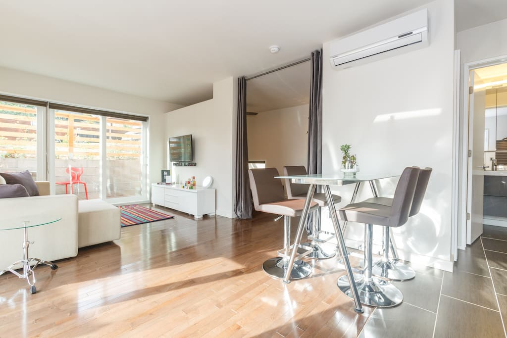 SOL 480 Living Area